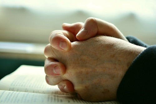 Hands-Pray-Prayer-Praying-Hands-Faith-Religion-2558490