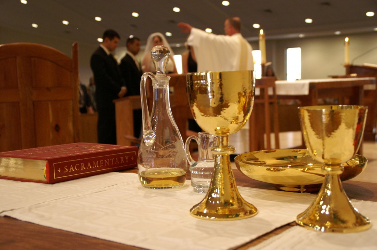 sacrament_table_church_gold_cups_wedding_ceremony_catholic-1338673.jpgd